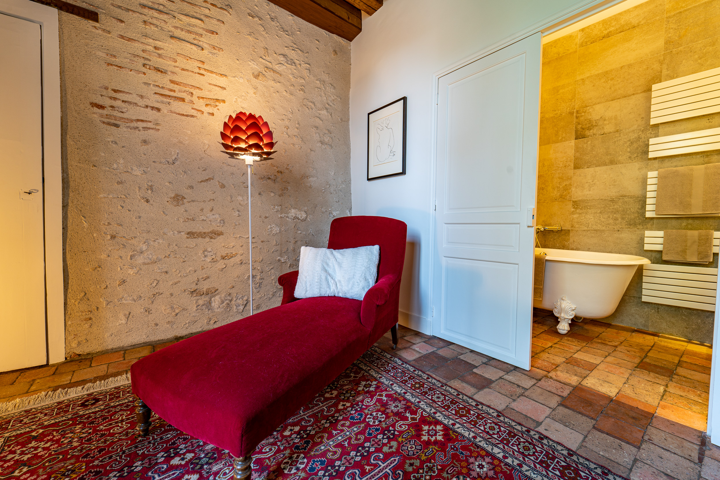 Vue boudoir et salle de bain